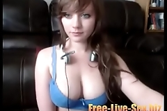 Hot camgirl playing with her tits