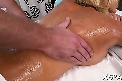 Princess that has an aroused bawdy cleft gets massaged really well