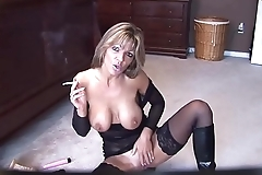 Mature solo smoking - my666cams.com