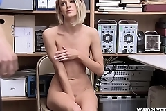 Shoplyfter Emma Hix goes down to the brush knees and blowjob the LP Officers cock!