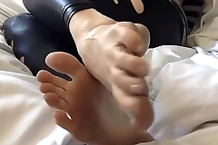 feets sole sexy girl blonde